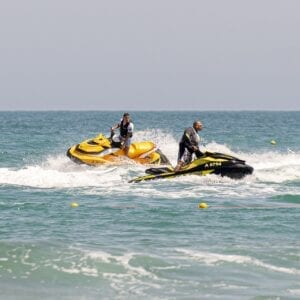 water-sports-5271000_1920